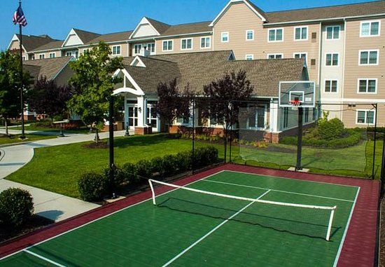 Chester, VA: Sport Court