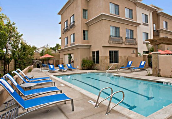 Vista, CA: Outdoor Pool & Spa