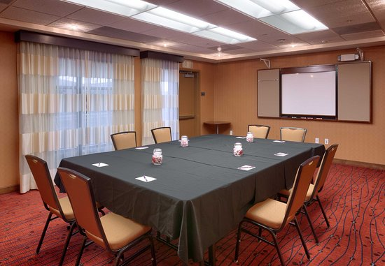 San Marcos, CA: Meeting Space - Boardroom Setup