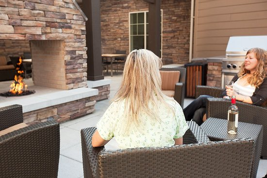 Residence Inn Helena: Outdoor Deck & BBQ