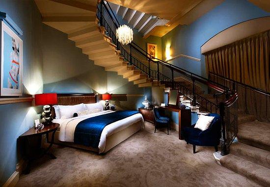 St. Pancras Renaissance Hotel London: The Grand Staircase Suite