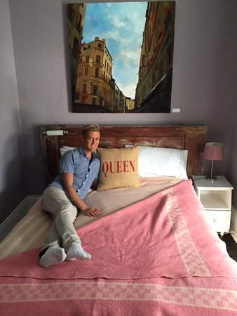 Bloomfield, Canada: A room fit for a queen....well sort of