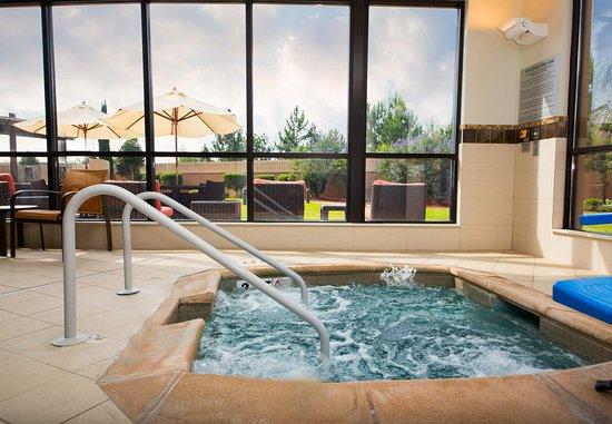 Warner Robins, GA: Indoor Whirlpool
