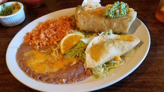 Hurricane, UT: Chicken Chimichanga & Chicken Taco