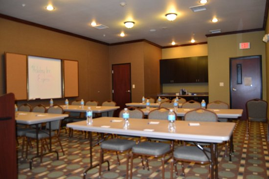 Holiday Inn Express & Suites Heber Springs : Meeting Room