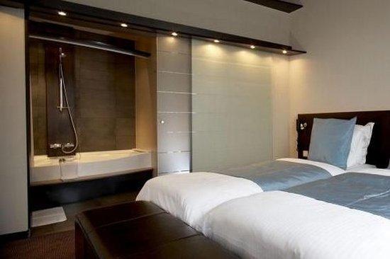 Hotel Harmony: Deluxe Room