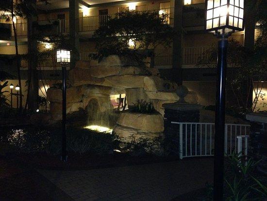 Coraopolis, PA: Atrium waterfall
