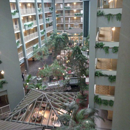 Coraopolis, PA: Looking at atrium from outside room