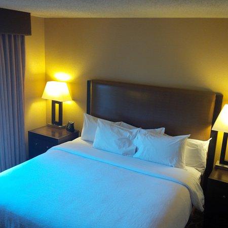 คอเราโปลิส, เพนซิลเวเนีย: Bed and nightstands