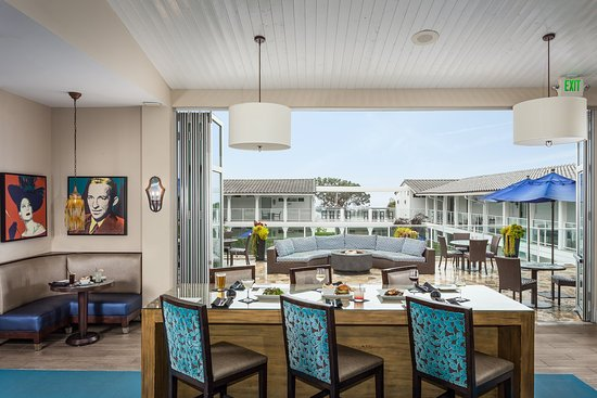 Del Mar, Califórnia: Enjoy local fare with a side of ocean views