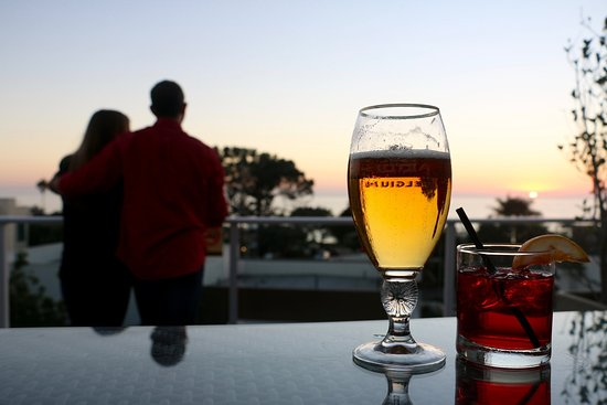 Del Mar, Califórnia: Catch a beautiful sunset at Ocean View Bar & Grill