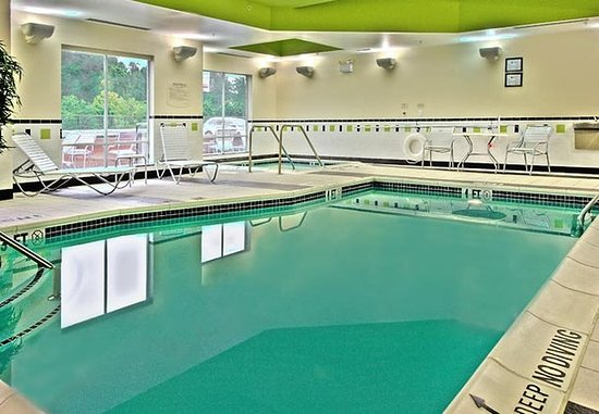 New Cumberland, Pensilvanya: Indoor Pool & Whirlpool
