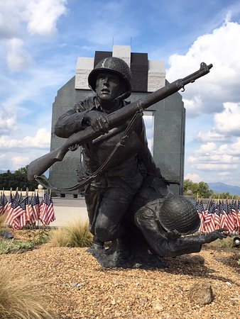 Bedford, VA: Gripping Emotional Sculptures
