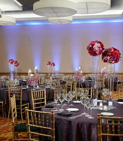 Naperville, IL: Grand Ballroom- Social Set Up