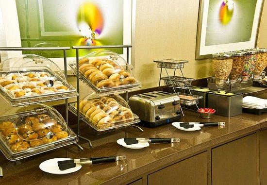 Irving, TX: Breakfast Buffet