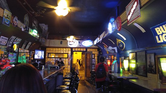 Fun Dive Bar Picture Of Smith S Union Bar Honolulu