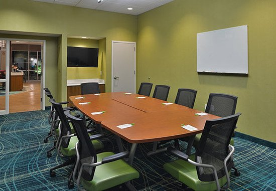 King of Prussia, PA: Merion Meeting Room – Boardroom Setup