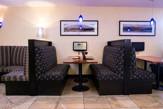 เซาท์พอร์ตแลนด์, เมน: Work Tables
