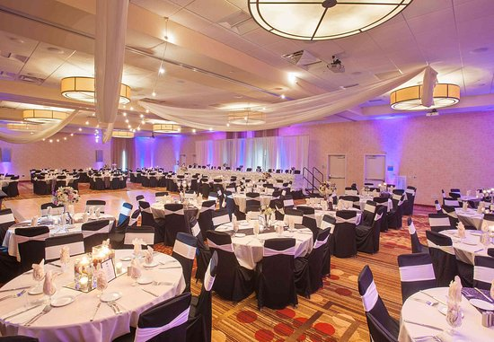 Mankato, MN: Event Center - Reception Setup