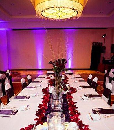 Brooklyn Park, MN: Ballroom – Event Setup
