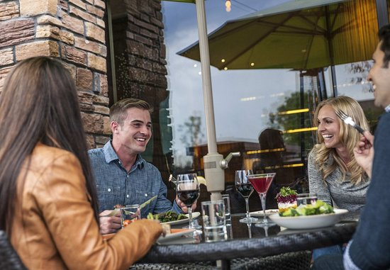 Westminster, CO: Tiller's Kitchen & Bar - Outdoor Patio