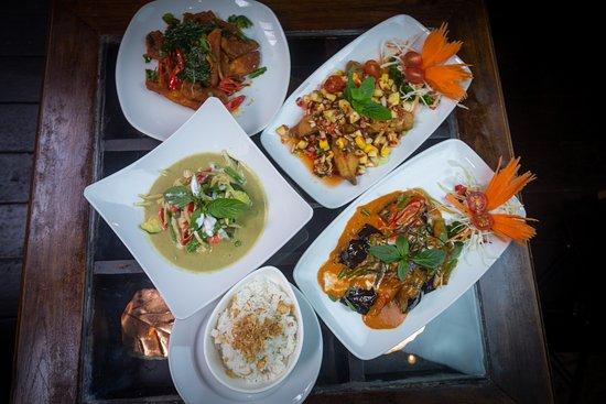 Charm oriental bar thai restaurant bath restaurant for Food bar somerset mb