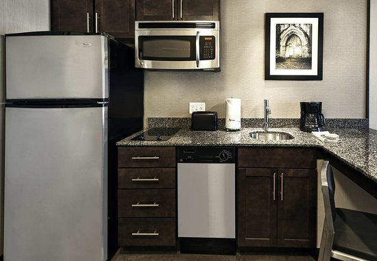 Chelsea, MA: Suite - Kitchen