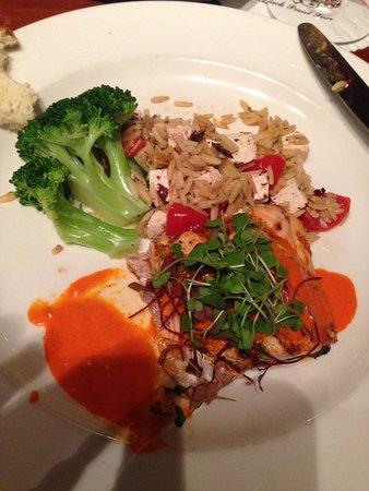 Скарборо, Мэн: Salmon with Mediterranean rice pilaf and broccoli.