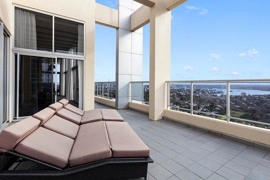Bondi, ออสเตรเลีย: Harbourside With Bedrooms Terrace