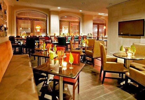 Fairfield Inn & Suites Atlanta Downtown: Lounge Fifty-Four