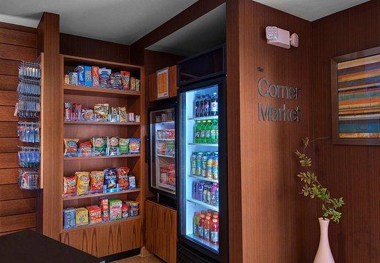 Fairfield Inn & Suites Fort Worth I-30 West Near NAS JRB: The Corner Market