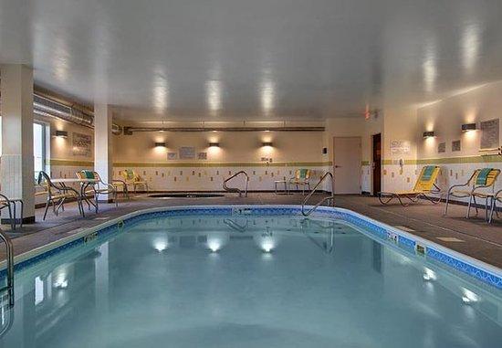 Fairfield Inn & Suites Fort Worth I-30 West Near NAS JRB: Indoor Pool
