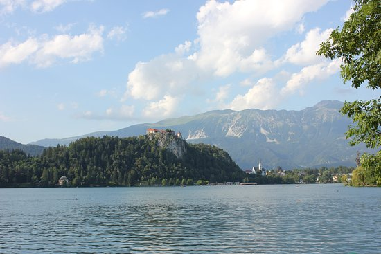 "Garni Hotel ""Berc"": Very close by - Lake Bled"