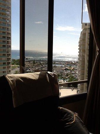 Discovery Bay Condominiums : ヘアから