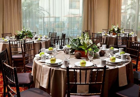 Goleta, Californië: Meeting Room - Rounds Set Up