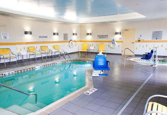 Hutchinson, Канзас: Indoor Pool & Spa