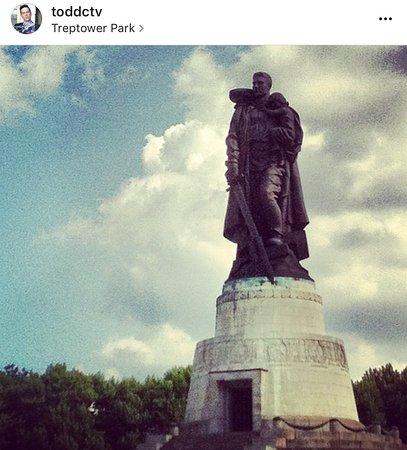 Treptower Park: photo0.jpg