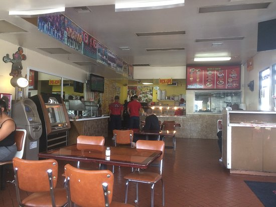 Norwalk, CA: vista interior