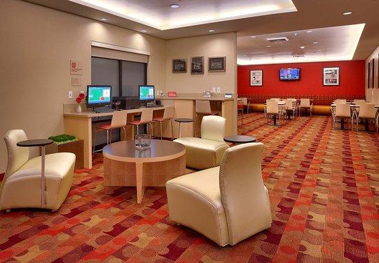 Vernal, UT: Lobby Lounge & Business Center