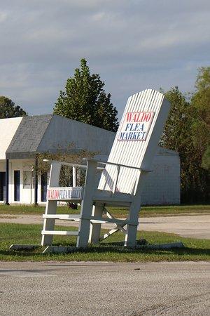 Waldo, FL: Big chair across the street.