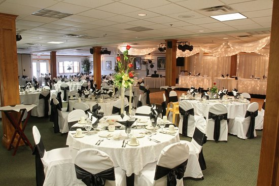 Columbiana, OH: The banquet hall can be set up for the wedding recpetion of your dreams.