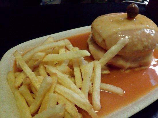 Sao Joao da Madeira, Πορτογαλία: Hambúrguer  Molhado!