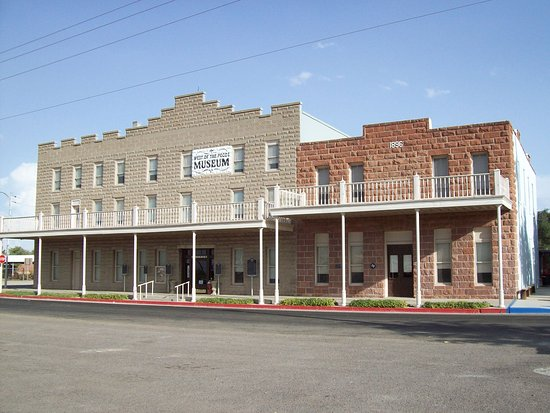 Pecos, TX: Orient Hotel and Saloon