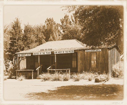 Pecos, TX: Judge Roy Bean's Courthouse and Saloon Replica