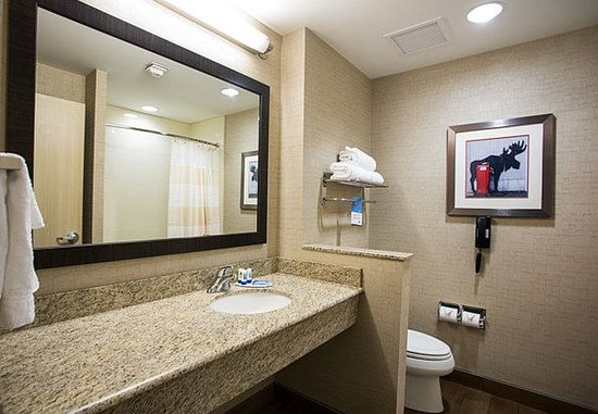 Moscow, ID: Guest Bathroom
