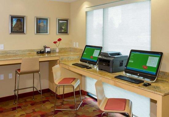 Cheektowaga, NY: Business Center