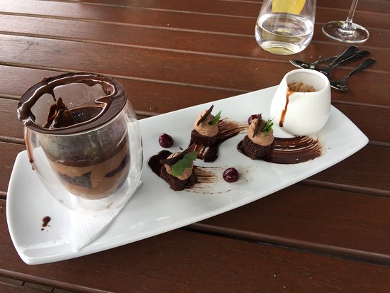 North Tamborine, Austrália: Beetle chocolate dessert (can't remember the exact name)