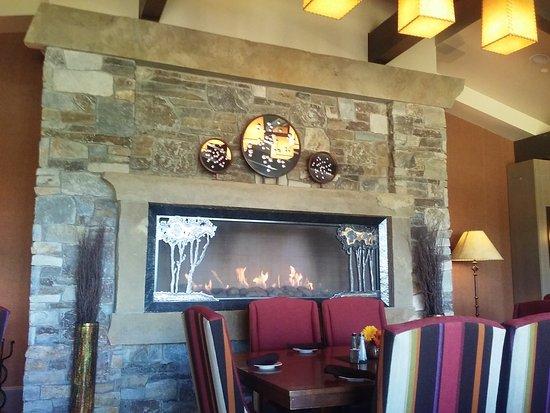 Cle Elum, WA: Portals Fireplace