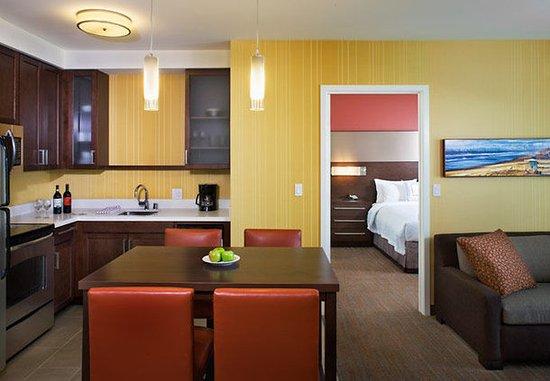 Tustin, كاليفورنيا: Two-Bedroom Suite