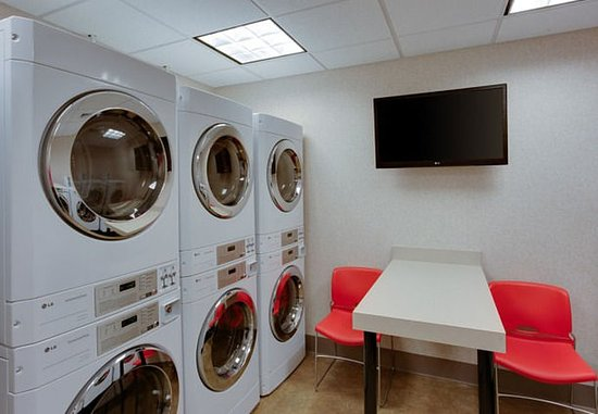 Chicopee, MA: Guest Laundry